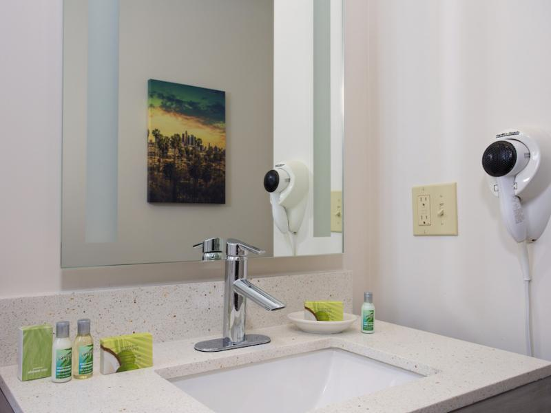 Guest Room Amenities Image